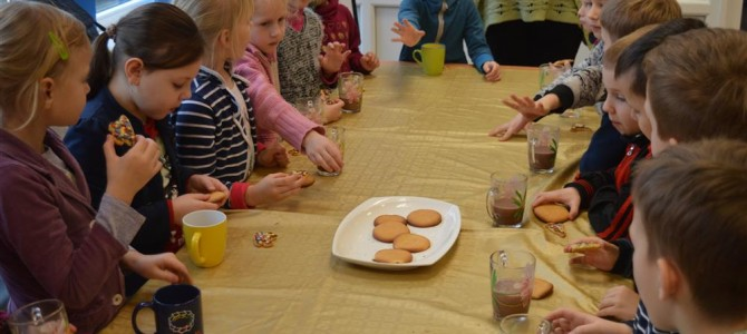Pažintis su Vaikų dienos centro veikla kvepėjo sausainiais