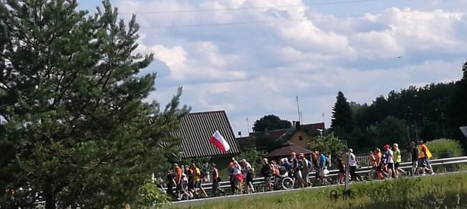 Lenkijos piligrimai vėl žygiuoja į Aušros vartus