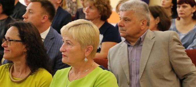 Šventinėje mokytojų sueigoje – nuoširdūs sveikinimo žodžiai pedagogams