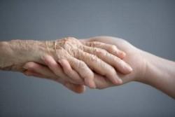 Vienišiems miesto senjorams Alytaus miesto bendruomenė tiesia pagalbos ranka