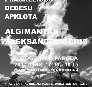 """Teatre – Algimanto Aleksandravičiaus fotografijų paroda """"Lietuva – praskleidus debesų apklotą"""""""