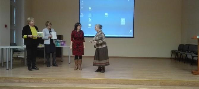 """Alytaus """"Volungės"""" pagrindinės mokyklos muziejui – apdovanojimų lietus"""