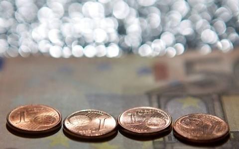 Mažinama mokesčių našta mažiausias pajamas gaunantiems gyventojams