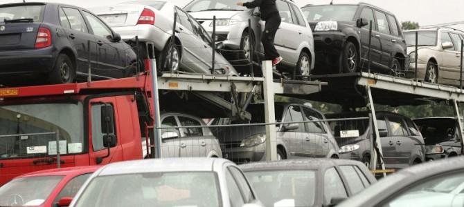 Prasidėjus pajamų deklaravimui, žmonės bando keisti automobilių pardavimo kainas
