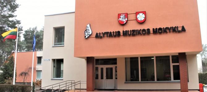Prasidėjo Alytaus muzikos mokyklos pastato modernizavimo ir ugdymo aplinkos gerinimo  projekto  įgyvendinimas