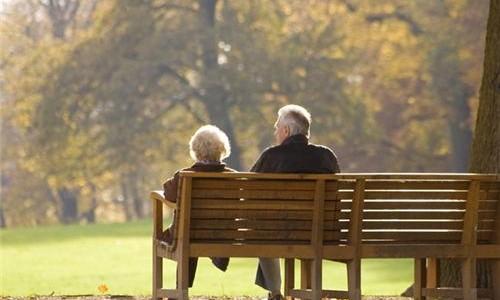 Didinamas būtinasis darbo stažas pensijai gauti