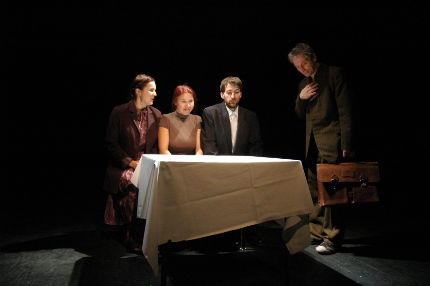 "Alytaus miesto teatro spektaklis ""Tula arba esame okupuota salis"" (rez. L. Liausaite)2"