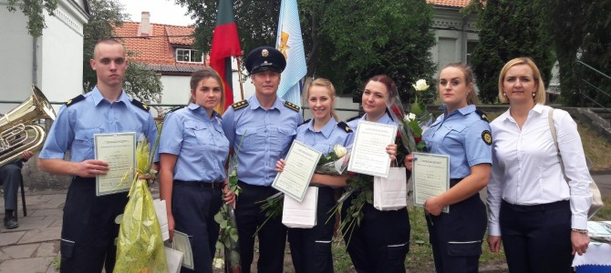Įteikti Pataisos pareigūno kvalifikacijos diplomai