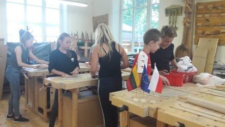 Kviečiame socialinę atskirtį patiriančius vaikus į keramikos pamokas (1)