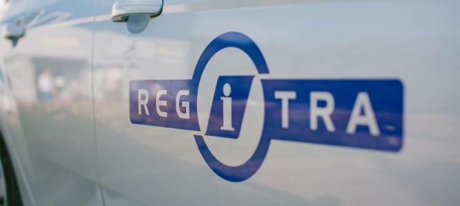 """""""Regitra"""" įspėja: žmonės sukčiams atiduoda net savo asmens dokumentus"""