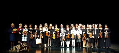 Tarptautinė muzikinė draugystė: Alytaus muzikos mokyklos ir Kremenčuko styginių instrumentų ansamblių koncertas