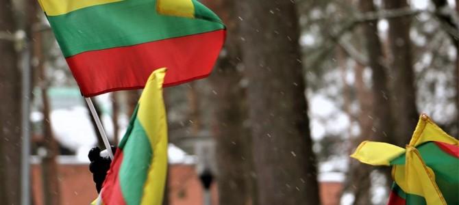 Vasario 16 d. iškelkime valstybės vėliavą!