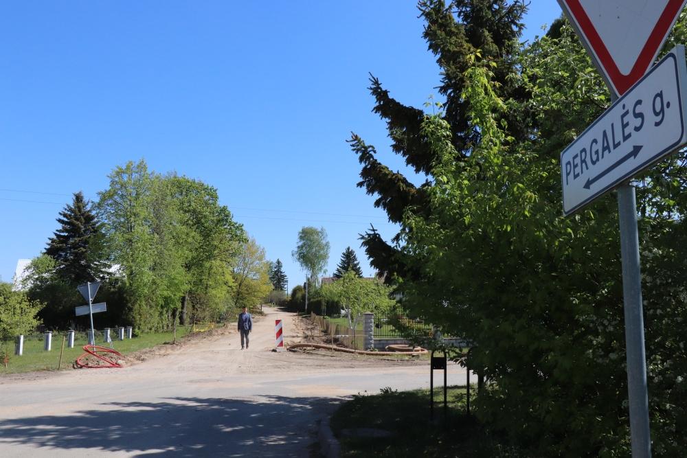 2. Mikluasėnuose asfaltuojama Pergalės gatvė