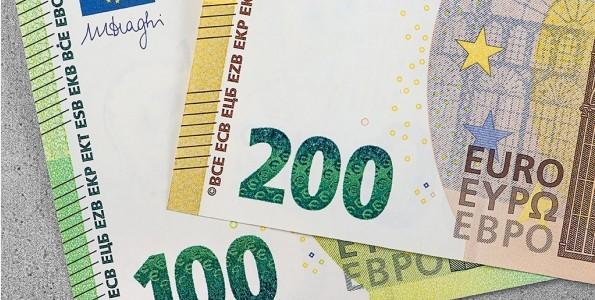 Naujo pavyzdžio euro banknotai jau apyvartoje