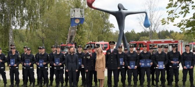 Būsimieji ugniagesiai gelbėtojai pasiryžę gelbėti ir padėti