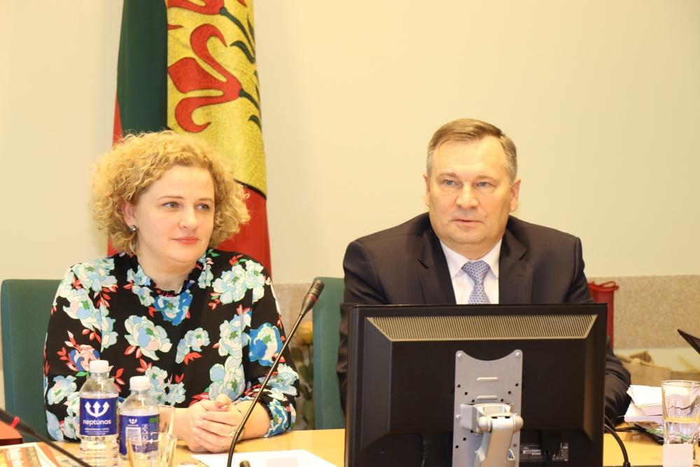 Alytaus rajono meras Algirdas Vrubliauskas ir vicemerė Dalia Kitavičienė atnaujino gyventojų prėmimus