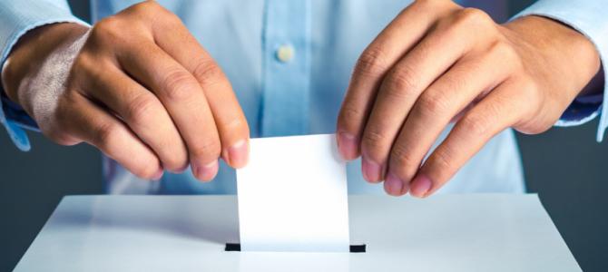 Rinkimai į Seimą: savivaldybėms naujos balsadėžės, žmonėms su negalia pritaikytos balsavimo kabinos