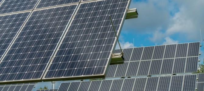 Dar yra laiko užbaigti saulės elektrinių įrengimo ir katilų keitimo darbus