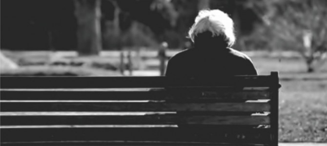 Išmoka vienišiems asmenims: ją siūloma mokėti visiems vienišiems senjorams ir neįgaliesiems