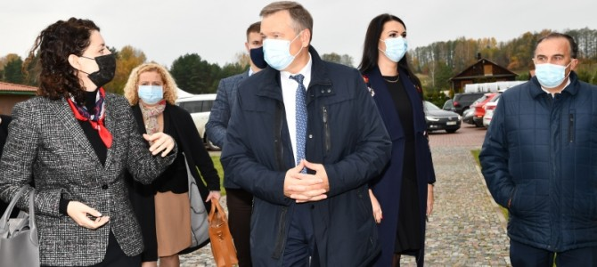 Socialinės apsaugos ir darbo ministrė Monika Navickienė lankė Alytaus rajono bendruomenes
